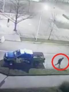 Preso aprovecha 'papayaso' de policías que se quedan dormidos y huye de un patrulla