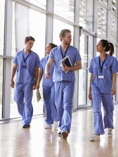 Dicha para el bolsillo de estudiantes de medicina, les llegó lo que tanto pedían