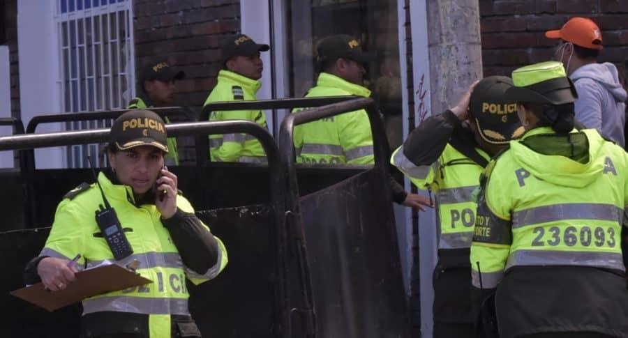 Policías en la calle