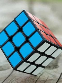 Este es el primer robot que logra resolver un cubo de Rubik en menos de 1,2 segundos