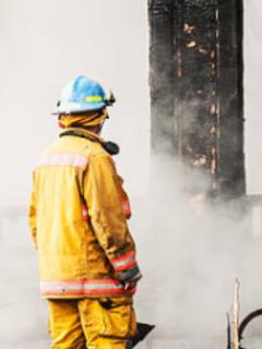 Hombre le quema la casa a su cobrador por una deuda de $ 10.000, en Medellín