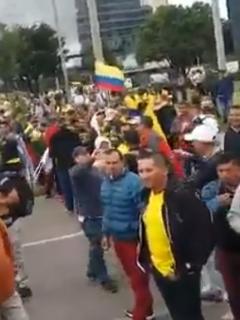 [Videos y fotos] Así está la Av. El Dorado (en Bogotá) por una monumental protesta