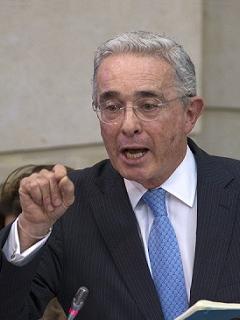 Nuevo presidente del Senado aclara si Álvaro Uribe le pegó en el Congreso hace 2 meses