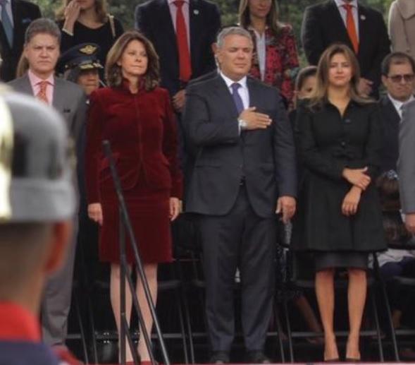 El presidente Iván Duque con su esposa, María Juliana Ruiz, y la vicepresidenta, Marta Lucía Ramírez, junto a su marido, Álvaro Rincón.