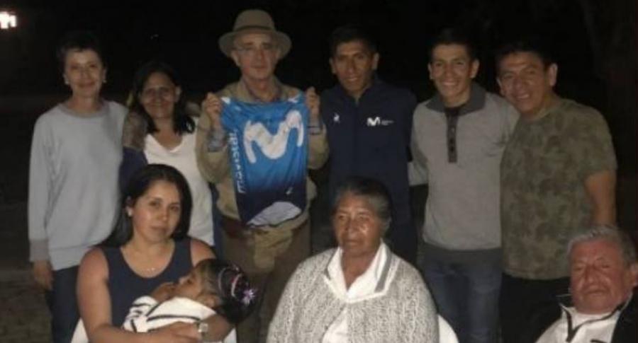 Nairo Quintana con Álvaro Uribe