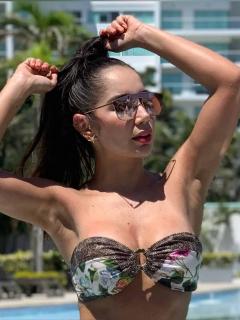 Las sensuales fotos con las que Paola Jara y su hermana promocionan su linea de ropa