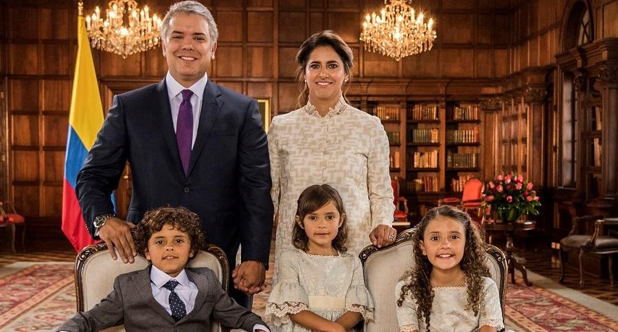 Iván Duque, su esposa, María Juliana y sus hijos