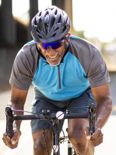 ejercicio montar bicicleta deporte