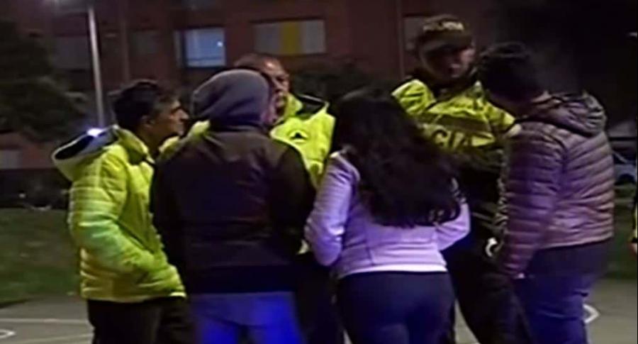 Policías y civiles
