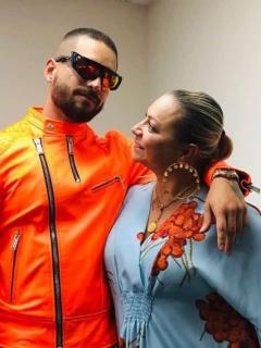 Fiesta sorpresa que Maluma le hizo a su mamá; Daniela Ospina fue una de las invitadas