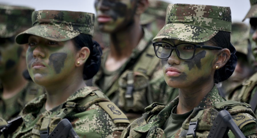 Mujeres en Ejército