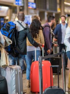 ¡Ya no devolverán a viajeros colombianos de EE. UU.! Trámite para entrar se hará en Bogotá