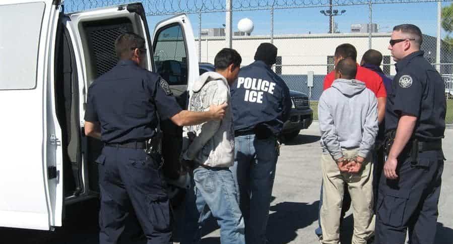 Detención de 680 inmigrantes en Mississippi