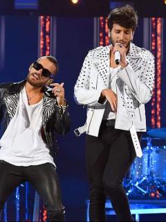 Ricky Montaner y Sebastián Yatra, cantantes.