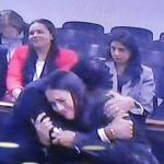 Los hermanos Francisco y Catalina Uribe Noguera, al escuchar el fallo.