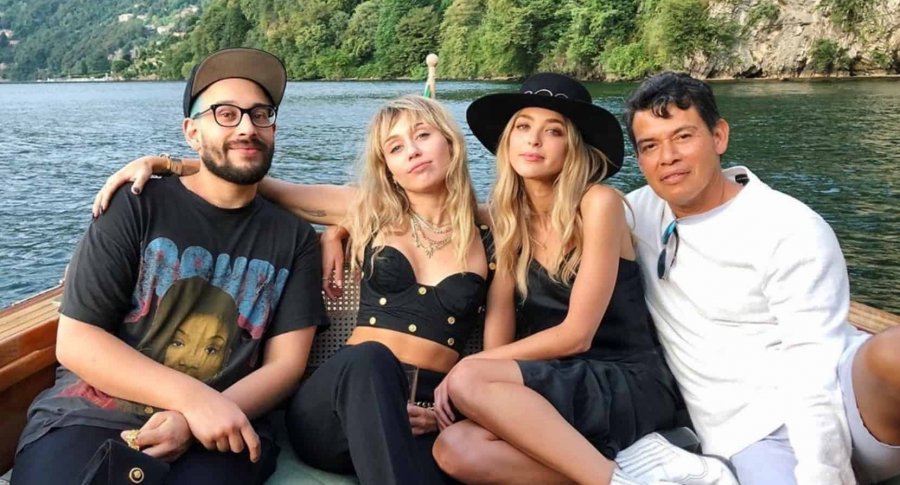 Bradley Kenneth, Miley Cyrus, Kaitlynn Carter y Saul Choza