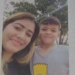 Foto de pafleto con el que buscan a la venezolana y a su hijo en Bucaramanga