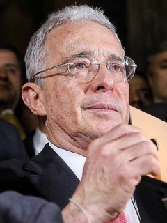 Álvaro Uribe no se presentaría en las próximas elecciones para Senado