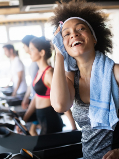 Hacer ejercicio en la tarde o noche puede ser la razón por la que no bajas de peso