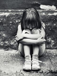Niña de 6 años contrajo enfermedad de transmisión sexual al ser abusada por 2 de sus tíos