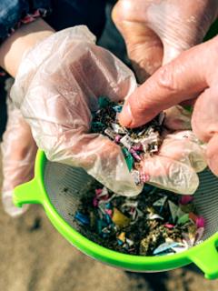 Lo que faltaba: lluvia de microplástico, que preocupa más que otros tipos de contaminación