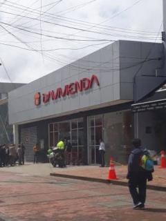 Frustan intento de 'taquillazo' en banco Davivienda y un ladrón muere en el tiroteo