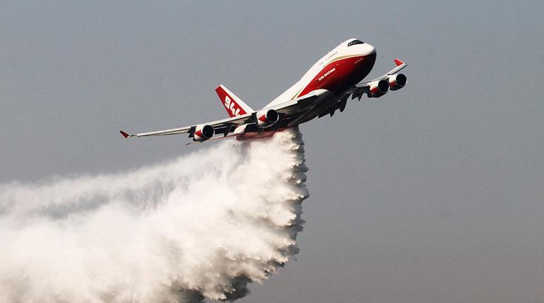 Avión Boeing 747, de Global SuperTanker