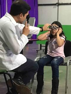 Óptica colombiana Lentesplus gana premio por innovación y ventas en Internet