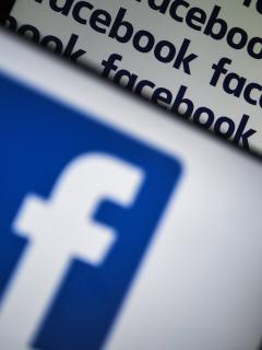 Facebook contratará periodistas para no depender de algoritmos en difusión de noticias