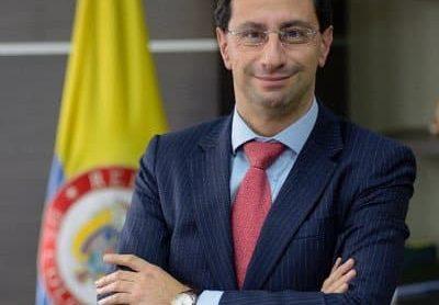 Chiste de ministro de Comercio José Manuel Restrepo en Twitter