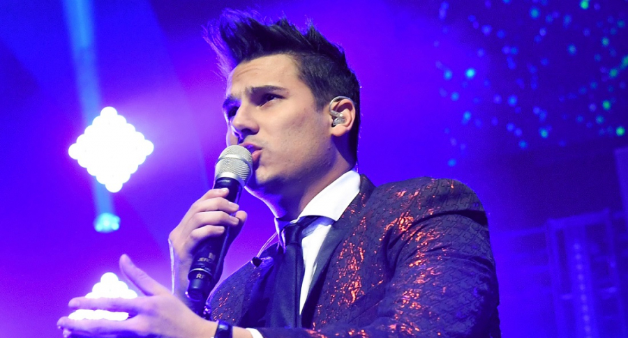 Pipe Bueno, cantante.