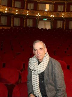 El uribismo le está metiendo política a la cultura, denuncia director del Teatro Colón