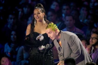 Rosalía y J Balvin en los MTV VMA