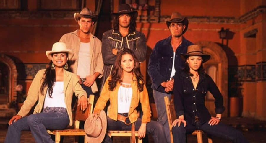 Paola Rey, Juan Alfonso 'el Gato' Baptista, Danna García, Mario Cimarro, Natasha Klauss y Michel Brown, actores.
