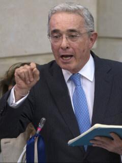 Álvaro Uribe, expresidente y senador.
