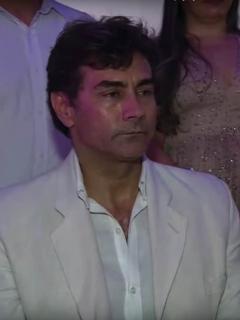 Mauro Urquijo y su esposa trans no fueron a Italia para luna de miel, ¿por pagar deuda?