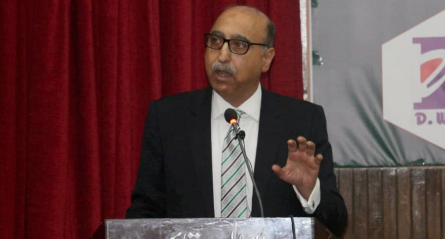 Político pakistaní.