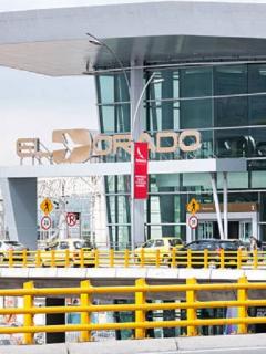 [Videos] Muere estadounidense en aeropuerto El Dorado y familia dice que no tuvo atención