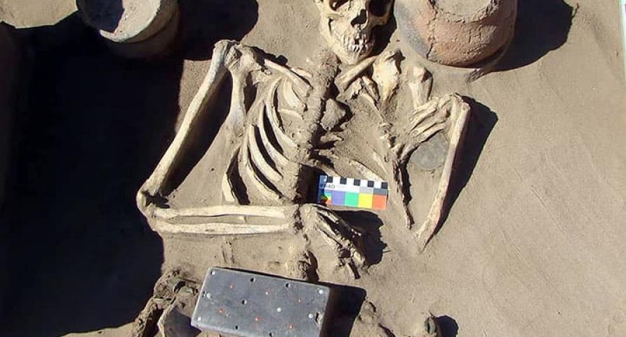 """Hebilla de 2.100 años """"parecida"""" a iPhone"""