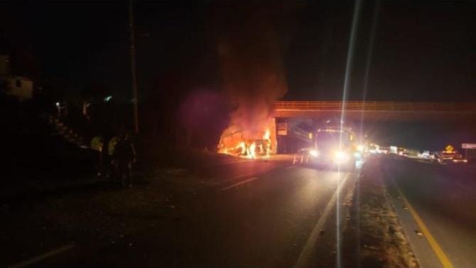 Bus incinerado en Cundinamarca