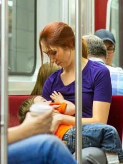 Amamantar en transporte público
