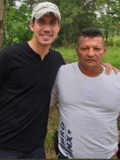 Aparece nueva foto de Guaidó con un tercer 'Rastrojo', al que estarían intimidando