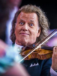 """De """"pena ajena"""" y """"vergüenza total"""" califican falla de sonido en concierto de André Rieu"""