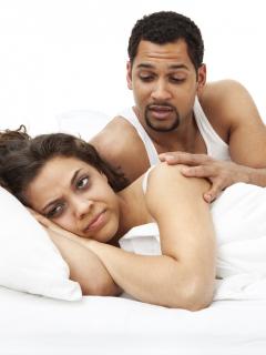 Mujeres que están satisfechas en el sexo pelean menos con sus esposos