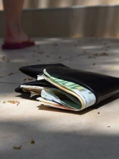 Billetera con euros.