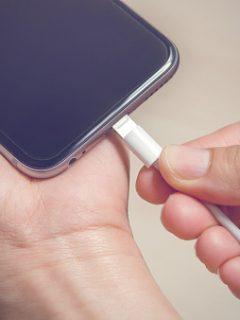 ¡Ojo! Cargar la batería de su celular hasta el 100% es malo y Apple lo sabe