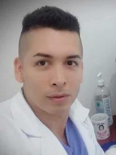 Médico habría contactado hombres por redes para tener relaciones, y lo mataron por robarlo