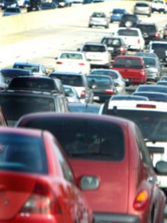 Trump quiere evitar que California emita estándares de polución, por ser muy estrictos
