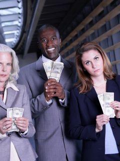 Revelan los millonarios salarios que pagan en la Contraloría (son envidiables)
