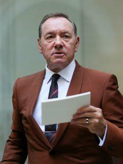 ¿A lo 'House of Cards'? Muere hombre que acusó a Kevin Spacey de agresión sexual
